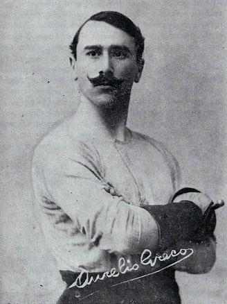 Итальянский мастер фехтования Аурелио Греко.
