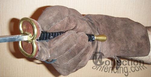 Копия французской фехтовальной перчатки эпохи неокласицизма.